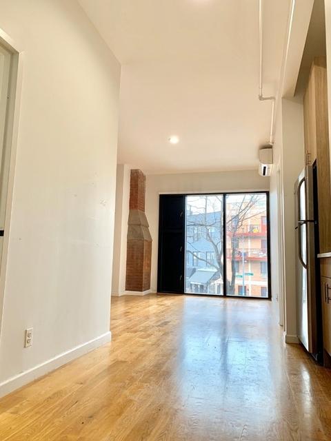 2 Bedrooms, Bushwick Rental in NYC for $2,978 - Photo 2