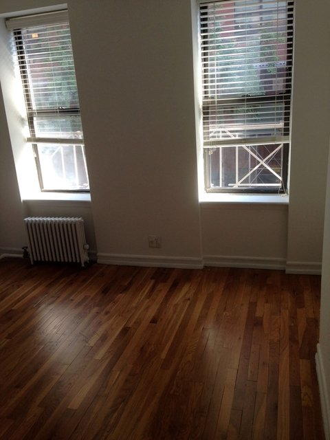 1 Bedroom, Hell's Kitchen Rental in NYC for $2,350 - Photo 2