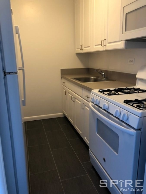 Studio, Yorkville Rental in NYC for $2,350 - Photo 2