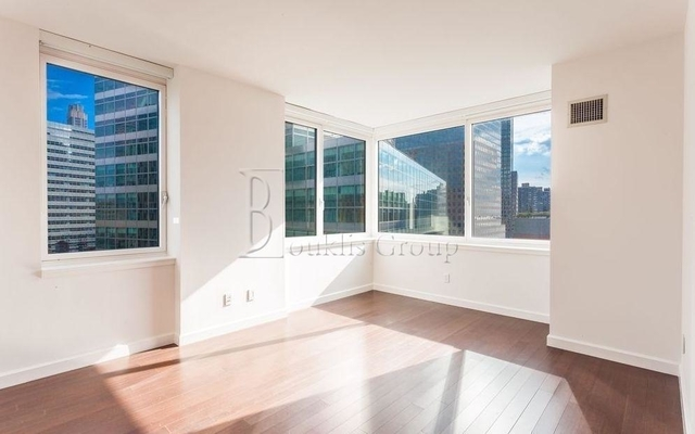 4 Bedrooms, Battery Park City Rental in NYC for $12,216 - Photo 2
