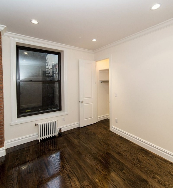 3 Bedrooms, Hell's Kitchen Rental in NYC for $4,485 - Photo 2