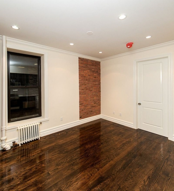 3 Bedrooms, Hell's Kitchen Rental in NYC for $4,485 - Photo 1