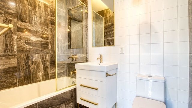 1 Bedroom, Crown Heights Rental in NYC for $2,290 - Photo 2