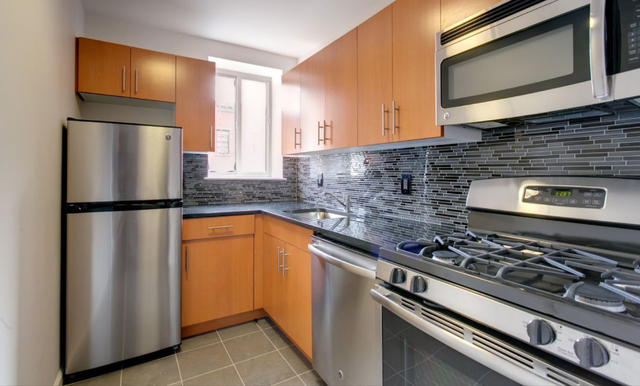 2 Bedrooms, Alphabet City Rental in NYC for $4,850 - Photo 2