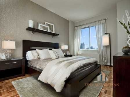 3 Bedrooms, Hell's Kitchen Rental in NYC for $6,000 - Photo 2