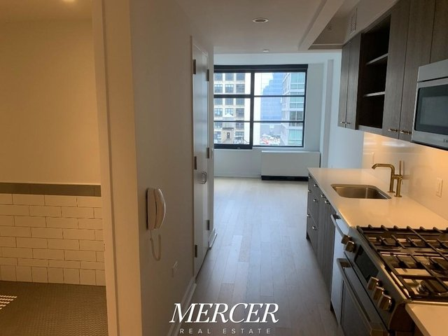 Studio, Hell's Kitchen Rental in NYC for $2,975 - Photo 1