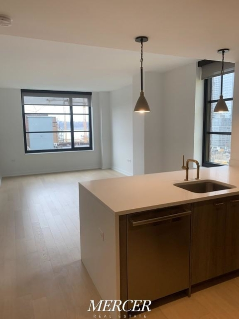 2 Bedrooms, Hell's Kitchen Rental in NYC for $5,175 - Photo 1