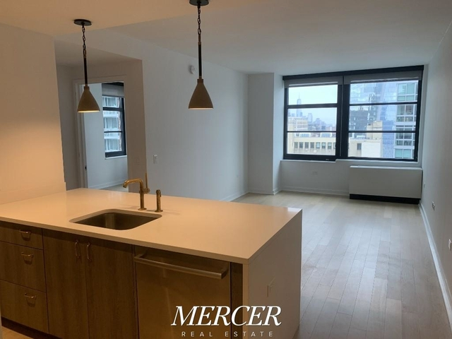 1 Bedroom, Hell's Kitchen Rental in NYC for $3,575 - Photo 1