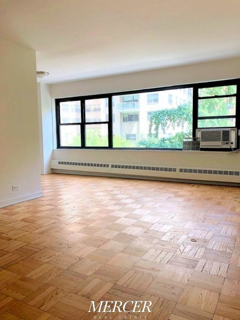 Studio, Hell's Kitchen Rental in NYC for $2,800 - Photo 2