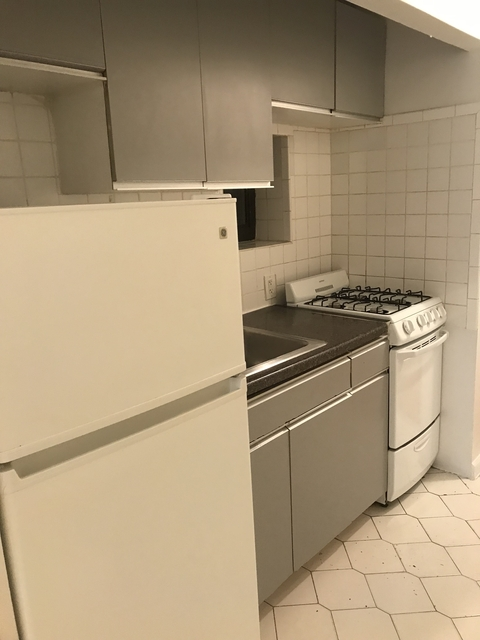 2 Bedrooms, Hell's Kitchen Rental in NYC for $2,835 - Photo 2