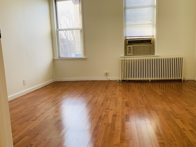 3 Bedrooms, Astoria Rental in NYC for $2,350 - Photo 2