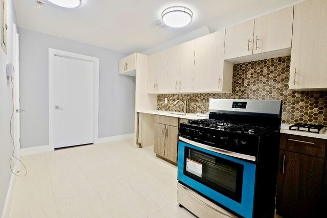 4 Bedrooms, Weeksville Rental in NYC for $4,000 - Photo 1