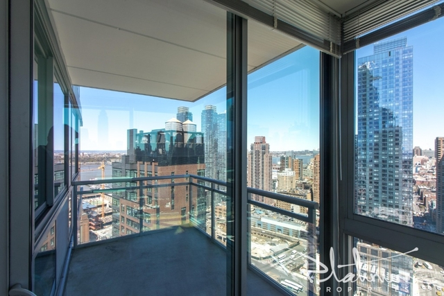 2 Bedrooms, Hell's Kitchen Rental in NYC for $5,395 - Photo 2