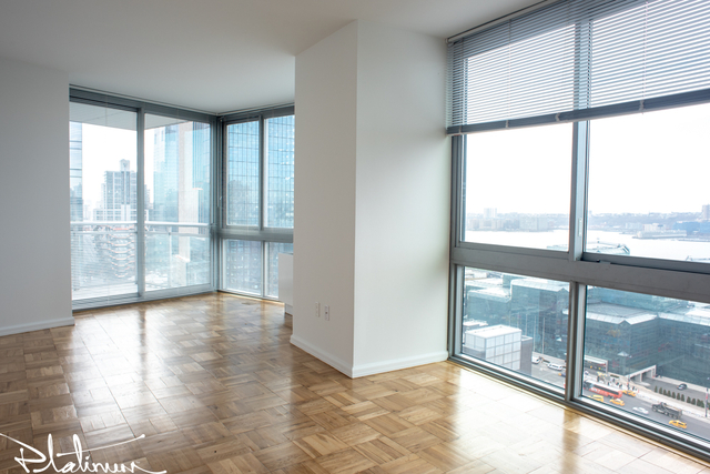 2 Bedrooms, Hell's Kitchen Rental in NYC for $5,179 - Photo 1
