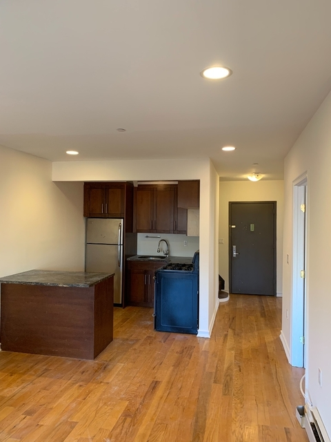 4 Bedrooms, Astoria Rental in NYC for $4,042 - Photo 1