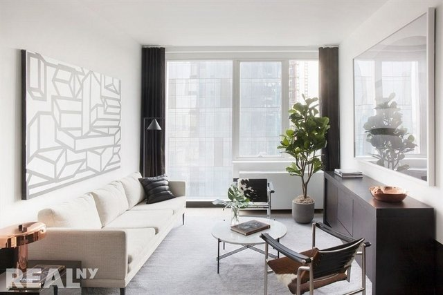 1 Bedroom, Long Island City Rental in NYC for $3,255 - Photo 1