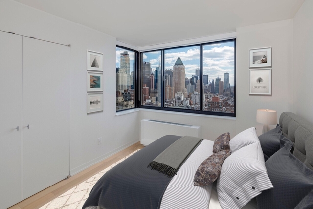 2 Bedrooms, Hell's Kitchen Rental in NYC for $6,420 - Photo 1