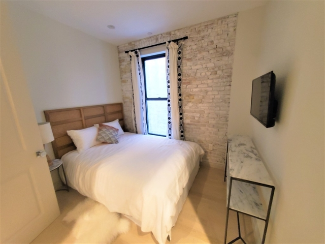 1 Bedroom, Alphabet City Rental in NYC for $4,300 - Photo 2