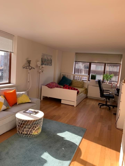 Studio, Theater District Rental in NYC for $2,933 - Photo 1