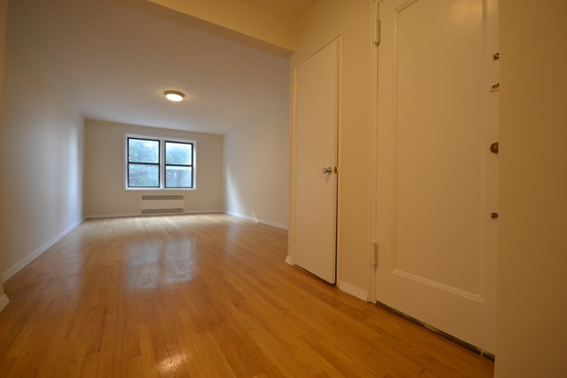 1 Bedroom, Forest Hills Rental in NYC for $2,133 - Photo 2