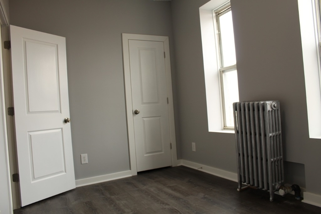 2 Bedrooms, Hell's Kitchen Rental in NYC for $2,300 - Photo 2