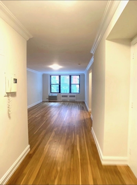 2 Bedrooms, West Village Rental in NYC for $5,595 - Photo 2