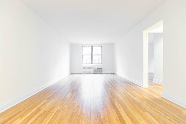 2 Bedrooms, Chelsea Rental in NYC for $5,295 - Photo 1