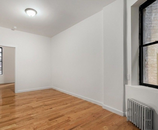 1 Bedroom, Hell's Kitchen Rental in NYC for $2,431 - Photo 2