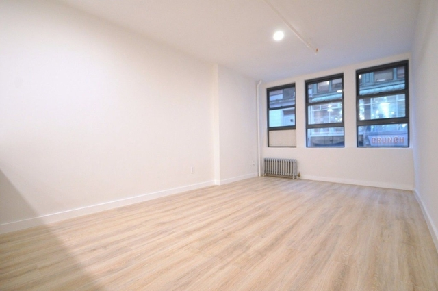 3 Bedrooms, Theater District Rental in NYC for $5,100 - Photo 1