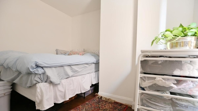 2 Bedrooms, Little Italy Rental in NYC for $3,400 - Photo 2