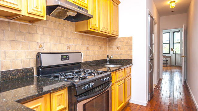 2 Bedrooms, Greenpoint Rental in NYC for $3,200 - Photo 2