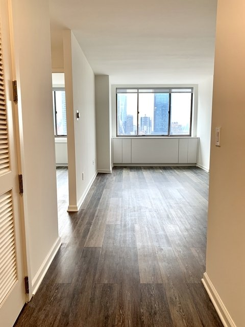 1 Bedroom, Hell's Kitchen Rental in NYC for $3,775 - Photo 1