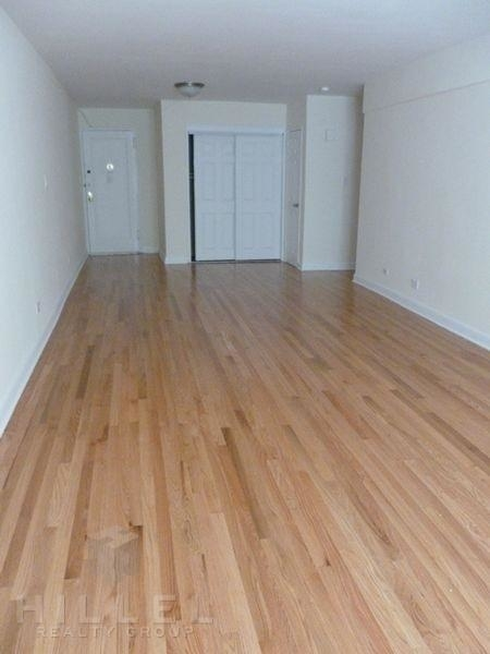 2 Bedrooms, Forest Hills Rental in NYC for $2,290 - Photo 2