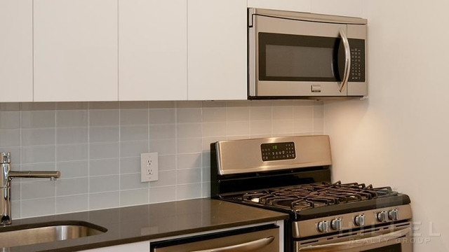 Studio, Financial District Rental in NYC for $3,979 - Photo 2