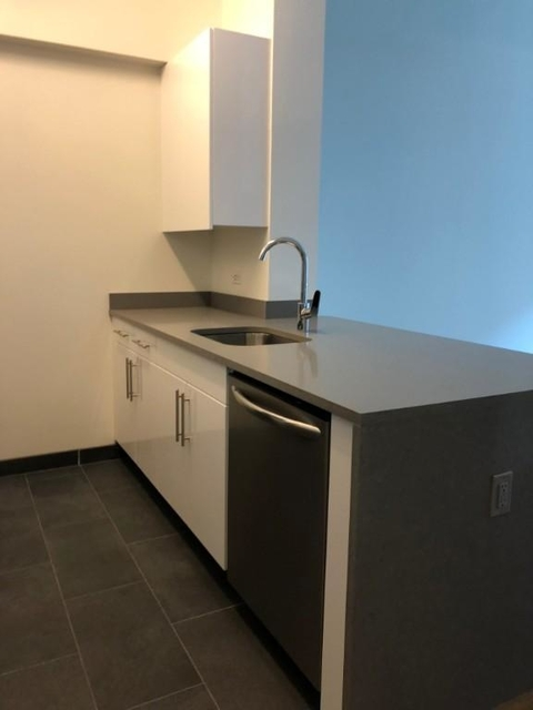 2 Bedrooms, Hell's Kitchen Rental in NYC for $4,350 - Photo 2