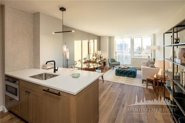 3 Bedrooms, Hell's Kitchen Rental in NYC for $6,300 - Photo 1