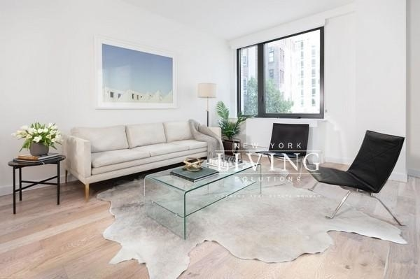 2 Bedrooms, Hell's Kitchen Rental in NYC for $8,064 - Photo 1