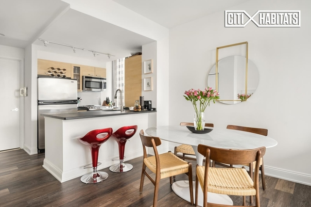 2 Bedrooms, Tribeca Rental in NYC for $6,475 - Photo 1