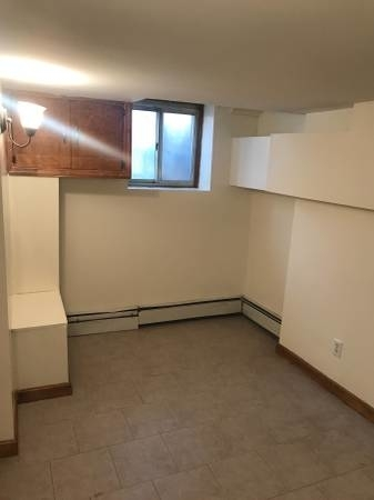 3 Bedrooms, Williamsburg Rental in NYC for $1,800 - Photo 2