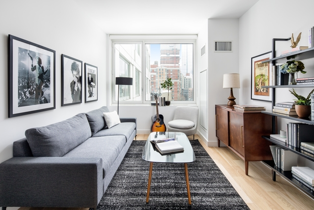 Studio, Hell's Kitchen Rental in NYC for $3,093 - Photo 2