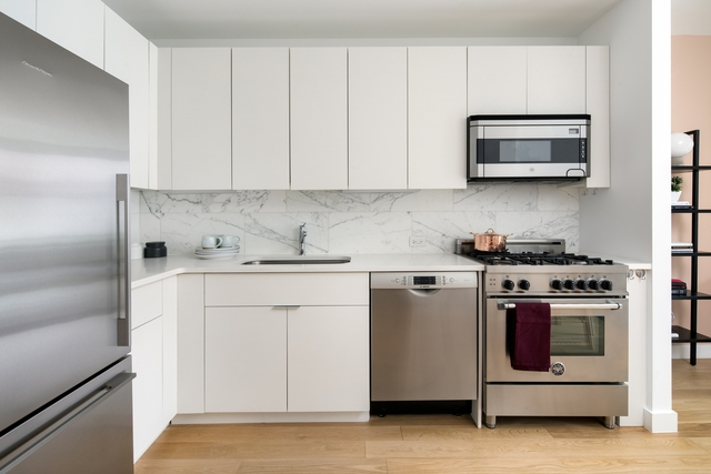 Studio, Hell's Kitchen Rental in NYC for $2,742 - Photo 2