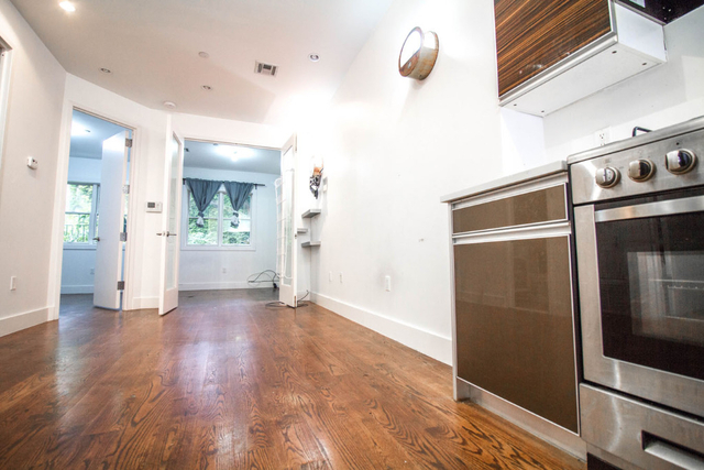 1 Bedroom, Crown Heights Rental in NYC for $2,396 - Photo 2
