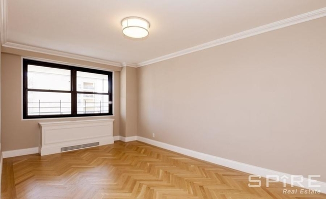3 Bedrooms, Yorkville Rental in NYC for $6,760 - Photo 2