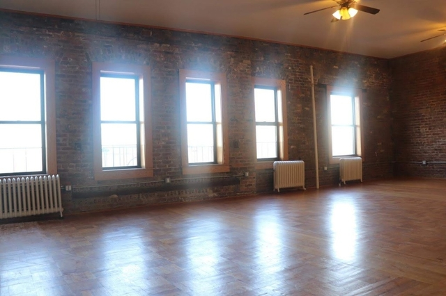 1 Bedroom, Crown Heights Rental in NYC for $2,900 - Photo 2