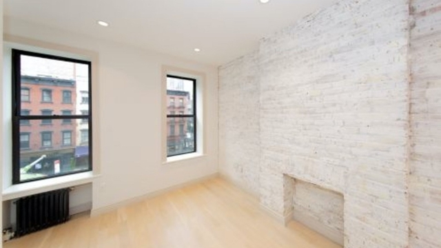 2 Bedrooms, Yorkville Rental in NYC for $3,758 - Photo 2