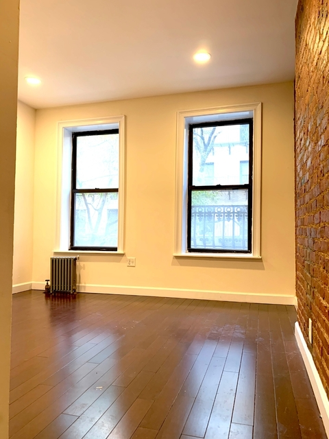 2 Bedrooms, Upper East Side Rental in NYC for $3,195 - Photo 2