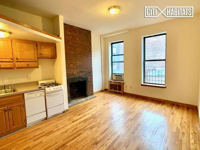 Studio, Hell's Kitchen Rental in NYC for $2,099 - Photo 2