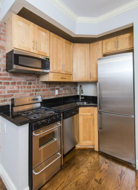 3 Bedrooms, Hell's Kitchen Rental in NYC for $4,495 - Photo 1