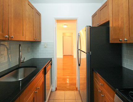 1 Bedroom, Flushing Rental in NYC for $1,914 - Photo 2