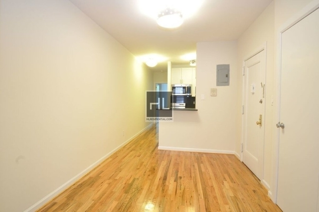 2 Bedrooms, Upper East Side Rental in NYC for $3,704 - Photo 2